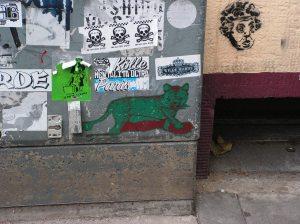 Sticker auf der Melchiorstraße (Köln)
